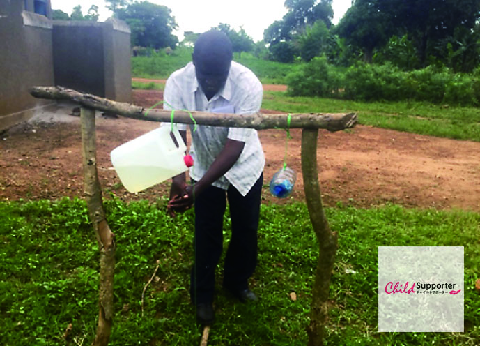 ウガンダ手洗い_サイト用.jpg