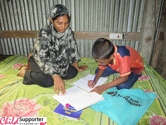 2020.12_Bangladesh_Sheuly Begum_Mustakin_Sewing_Machine_Savings_Nutrition_Education_005.JPG