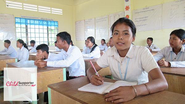 Sreyat attending her school to achieve her dreamsのコピー.jpg