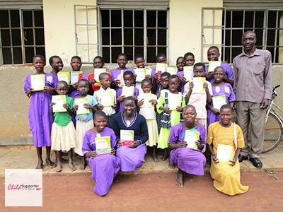 WEB_Happy Children after receiving scholastics (1).jpg
